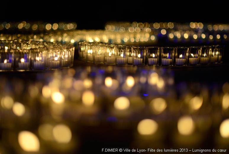 f-dimierville-de-lyon-fete-des-lumieres-2013-lumignons-du-coeur-2
