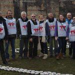 L'équipe en charge de la pose des bougies pour la fresque : mission accomplie !
