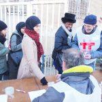 Accueil des bénévoles venus nous prêter main forte pour éclairer la fresque et l'Odéon