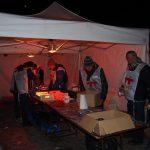 Dans la tente de préparation des lumignons pour éclairer les marches de l'Odéon